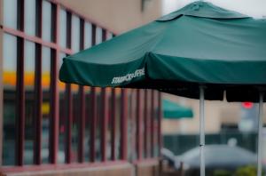 Starbucks.1